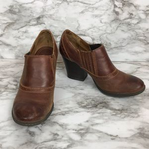 BORN brown stacked chunky heel booties size 8
